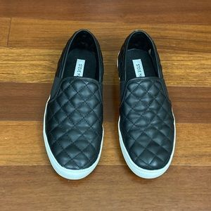 Steve Madden Endell Black Quilted Slip-on Sneakers